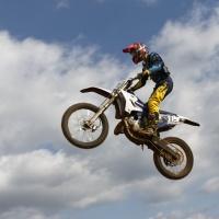 Moto cross à Uzelle.jpg