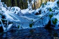 Cascade_glace_Salbert_light.jpg